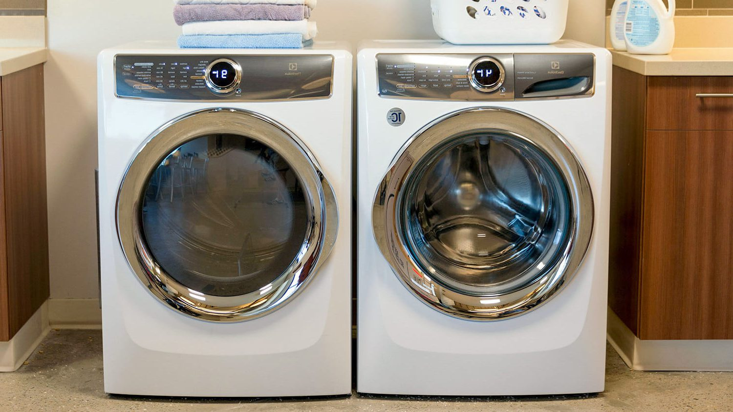 Maytag Vs Whirlpool Washer Versus